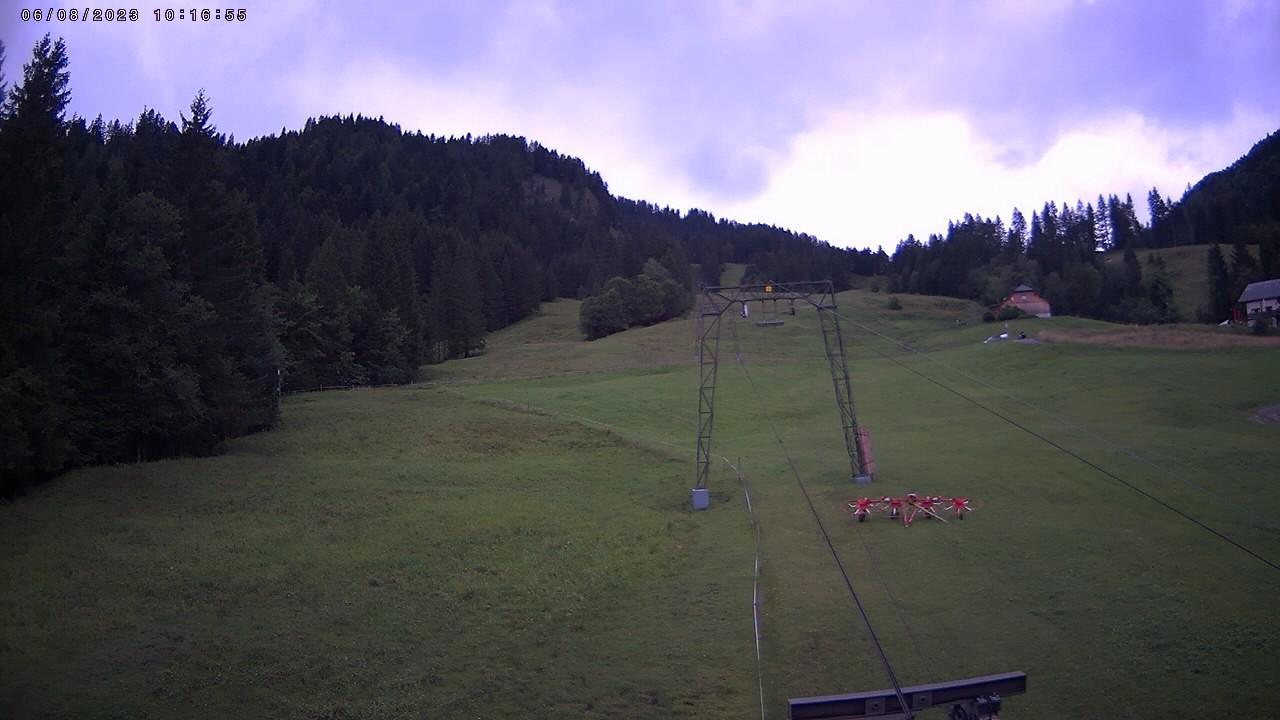 Веб камера Горнолыжный спуск в местечке Эбнит